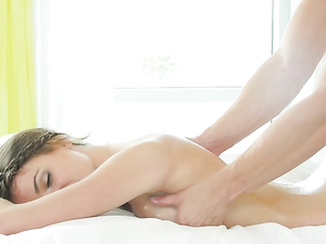 Oiled Beauty Ariel Winters Sits On His Big Cock