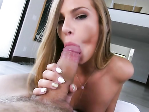 Hot Lips Pornstar Sydney Cole Gives A Sexy Blowjob