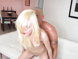Hot Facial For The Petite Blonde Teen Cock Whore