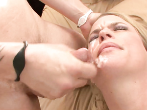 Fucking First Thing In The Morning With A Horny Slut