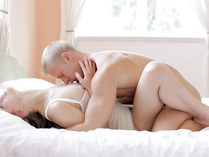Foreplay Makes His Lady Wet For Hot Teen Sex